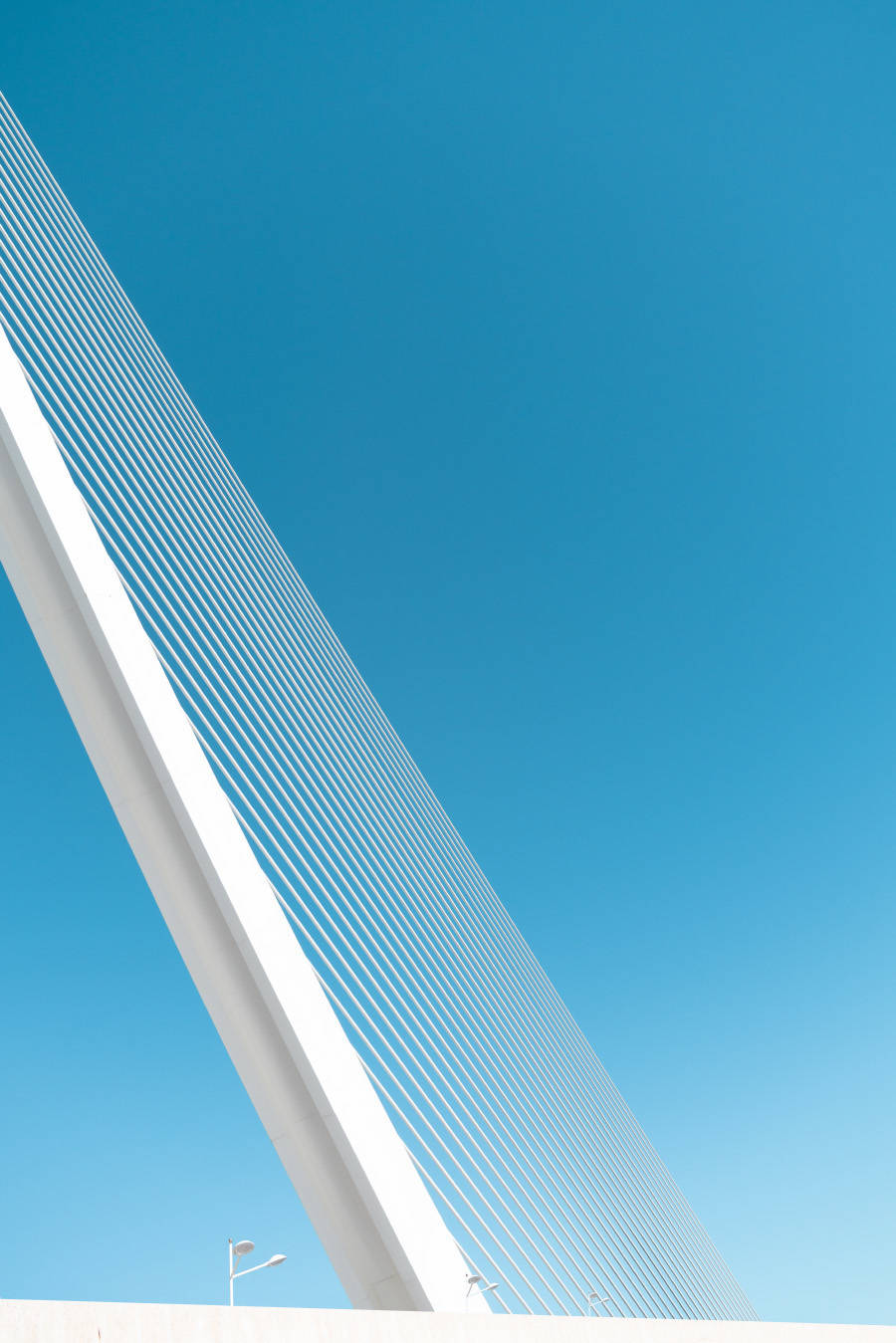 bewitching-white-and-sky-blue-architecture-photography-5-900x1349